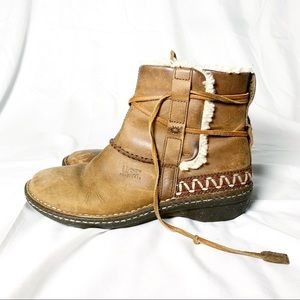 Leather UGG Boots Vintage Tan Embellished - 9